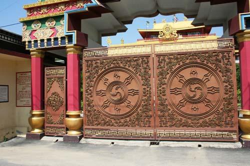 Sarnatkh doors